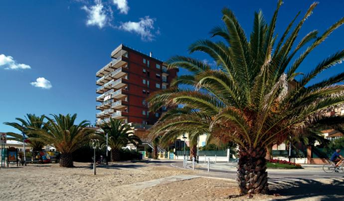 Hotel a grottammare albergo sulla riviera delle palme for Piani portico gratuiti